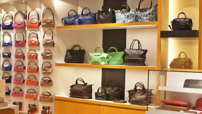 Niche market: Handbag store.